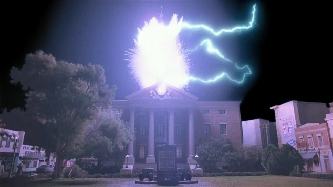 back-to-the-future-lightning-clock-tower-gamma-ray