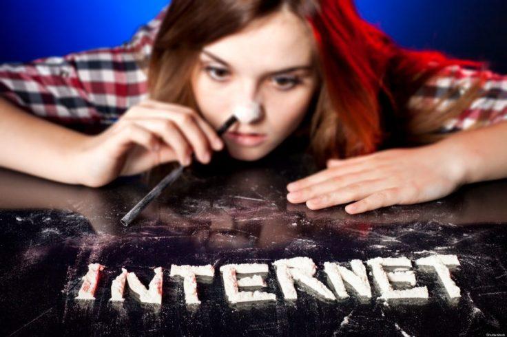 INTERNET-ADDICTION-facebook