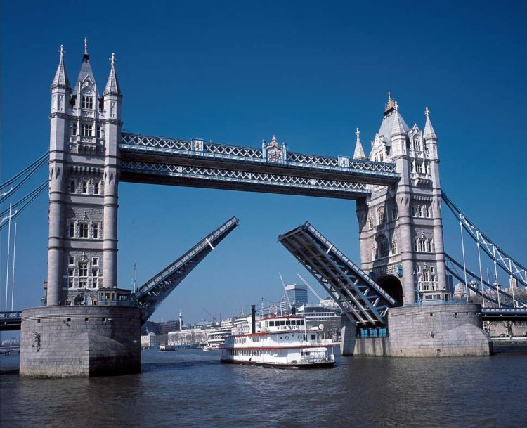 River Thames Bridge