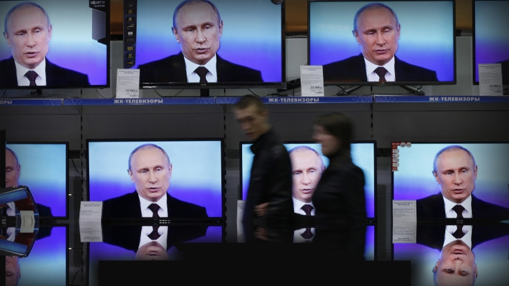 RUSSIAN-REALITY-monitor-putin-TV