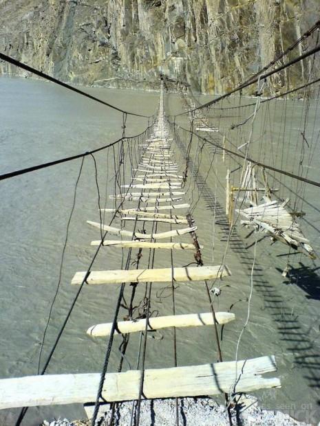 scary-bridges-1-465x620